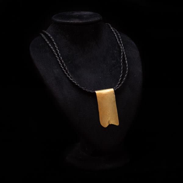 collana oro placca