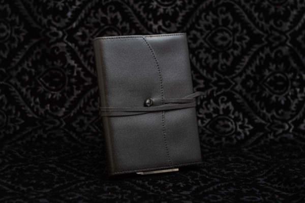 cover in pelle scriba