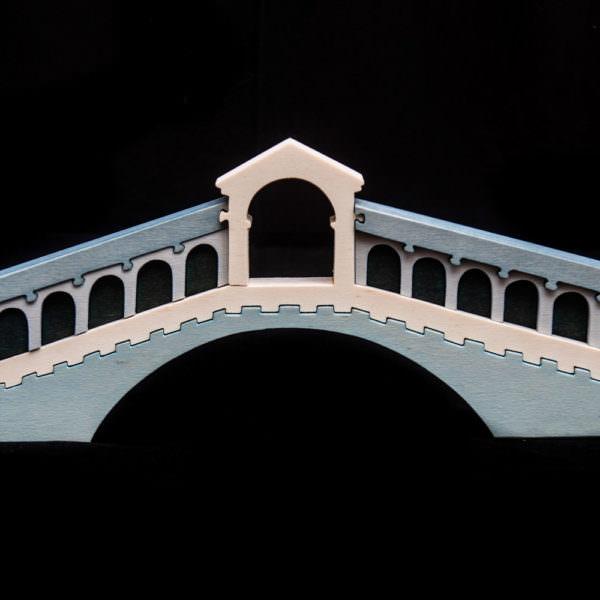 Ponte di rialto in legno