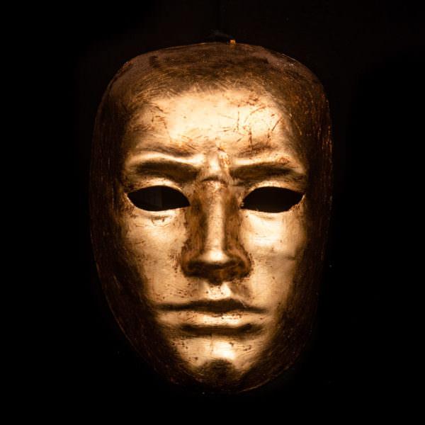 volto uomo oro francagirls